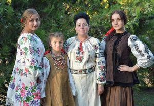 У Пирятині влаштували свято старовинної моди та музики