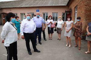Чиновники проінспектували, як проводять  ремонтні роботи в Запорізькому районі
