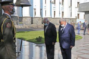 Напередодні саміту голова європейської дипломатії відвідав Київ