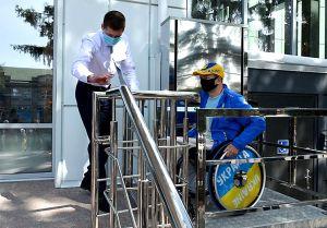 В Кропивницком «Прозрачный офис» принял первых посетителей