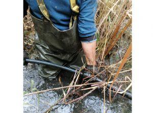 Одесская область: Спиртопровод спрятали на дне водохранилища