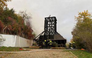 У Празі згоріла дерев'яна церква, привезена майже сто років тому із Закарпаття