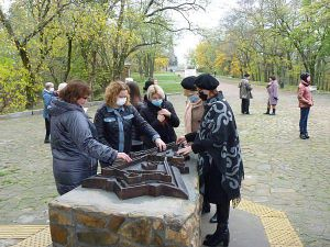 Черкасчина: Незрячие туристы «увидят» древнюю крепость