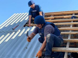 Донетчина: Спасатели  восстанавливают жилье