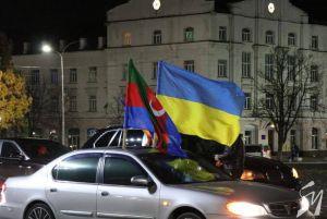 Чернігів: Славили перемоги автопробігом