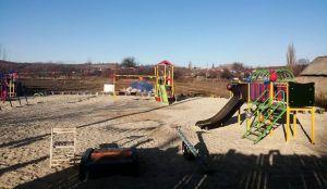 Луганщина: В селе появились площадки для досуга
