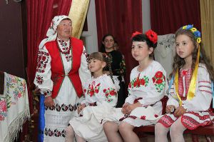 У Малій Любаші й малеча любить співати українські пісні