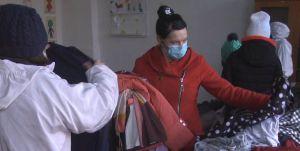 Хмельниччина: Теплий одяг та взуття роздають селянам