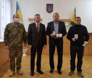 Командование наградило рокитновских волонтеров