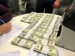 Одесса: Руководителя морпорта  задержан при получении  огромной взятки