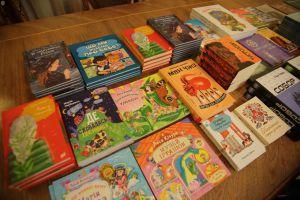 Львов: Книги для прифронтовой школы