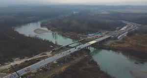 Буковина: Мост в Маршинцах спешат сдать под елку
