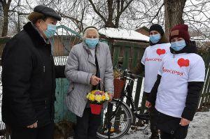 Полтавщина: Про стареньких подбають молоді волонтери