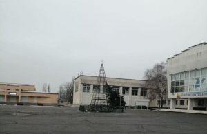 Херсонщина: Новогодняя елка возродилась из пепла
