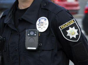 Суми: Поліцейського ув'язнили за ноутбук