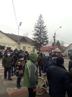 Буковина: Перекрыли дорогу  из-за дорогого газа
