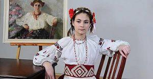 Чернігів: Скопіювали модниць минулих століть