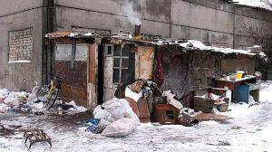 Херсон: Родини з малечею мешкали... на звалищі