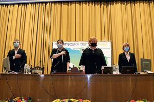 Сесія Чернігівської обласної ради зібралася з третьої спроби