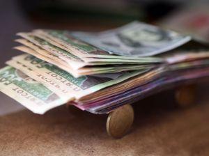 Зарплата увеличивается... Жизнь налаживается?