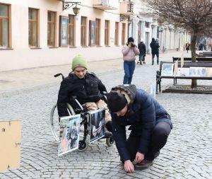 Черновцы: Каждый имеет право на труд