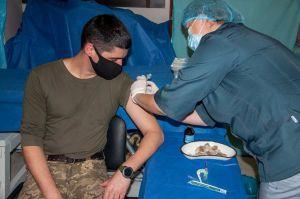 В районе проведения ООС уже вакцинируют от коронавируса