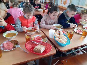 Дніпропетровщина: На «продльонці» погодують безплатно
