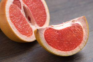 Київ: Попереджають про небезпечні грейпфрути