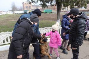 Миколаївські нацгвардійці порадували особливих дітлахів