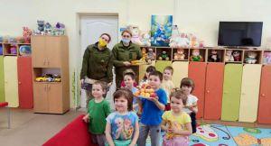 Луганщина: Офицеры доставили помощь от благотворителей