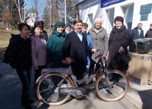 Соціальні працівники отримали велосипеди