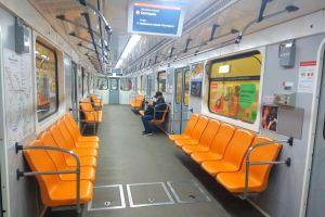 У Києві жорсткий локдаун: затори на дорогах і порожнє метро