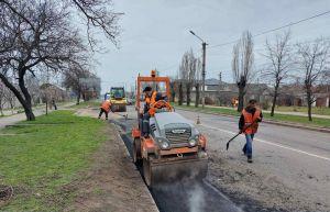 Продолжается ремонт самой длинной в Николаевской области дороги