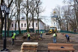 В Чернигове продолжается ремонт нижнего Вала