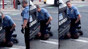 Экс-полицейского, который убил Джорджа Флойда, признали виновным