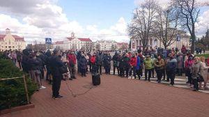 Чернигов: Требуют возобновить работу рынков