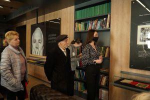 Дніпро: Діаспора подарувала заборонену бібліотеку
