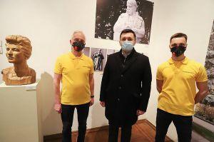 Во Львовском национальном музее открылась выставка трех поколений художников-скульпторов