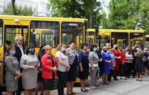 Дніпропетровщина: До знань — сучасними автобусами