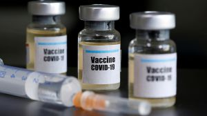 «Антиковідна» вакцинація: є перший мільйон
