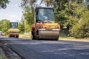 Днепропетровщина: Приводят в порядок дороги в глубинке