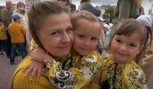 На юбилейном параде близнецов —  рекордное количество участников