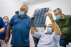 Немецкий хирург оперирует во Львове