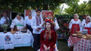Полтавщина: На фестивале мыли ноги теще