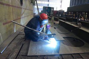 В Николаеве ремонтируют сухой док