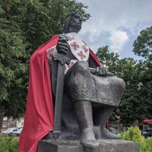 У Володимирі-Волинському вдягнули навіть князів