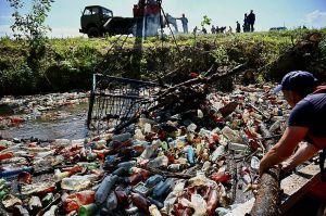 Закарпаття: Русло освободили  от запруд из мусора