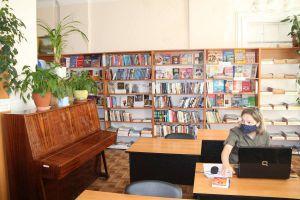 Запорожчина: Библиотекам — современную отечественную книгу