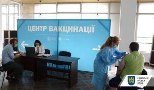 В стране вакцинировали более 4,3 миллиона граждан