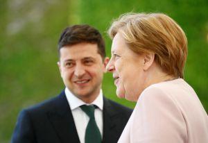 С Ангелой Меркель будут говорить о гарантиях